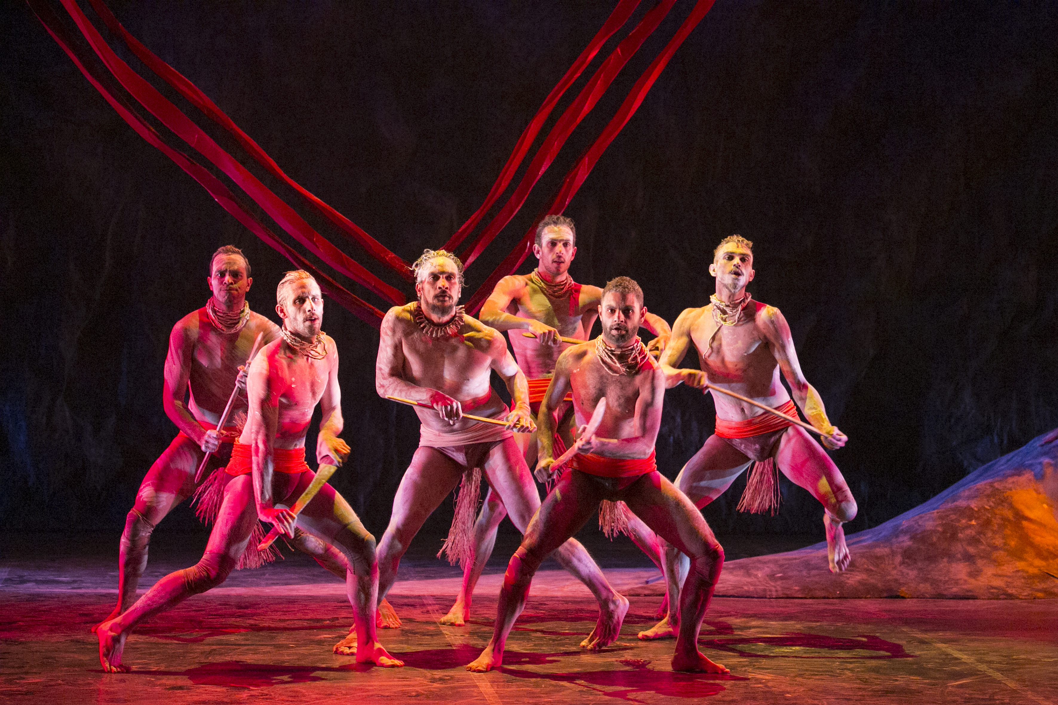 chorographic fusion between contemporary dance and indigenous movement in bangarra dance theatre ess A fusion of which two dance styles best describes the work of bangarra dance theatre a) ballet and contemporary c) contemporary and indigenous movement omer.